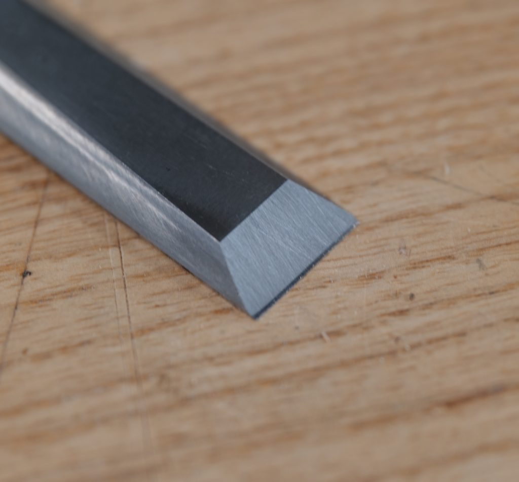 Primary and secondary bevel on a chisel